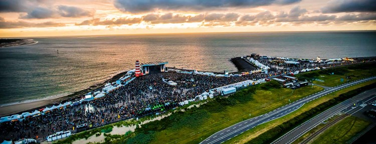 Concert at SEA luchtfoto